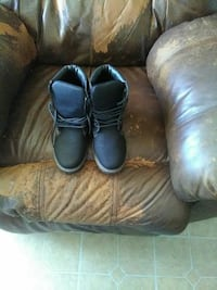 pair of black  boots Odessa, 79762