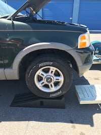 04 Ford explores tires and rims only look at pictures for tires size thanks  Ranson, 25438