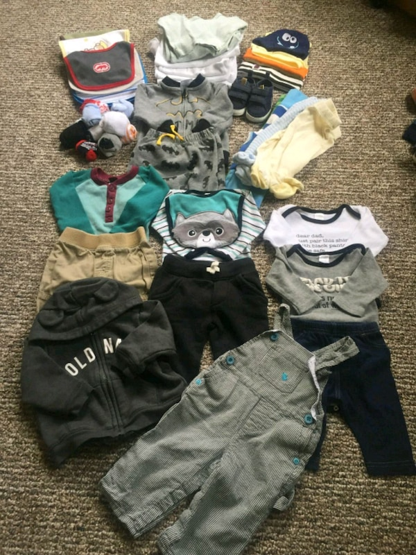 toddler's assorted clothes 3_6 months