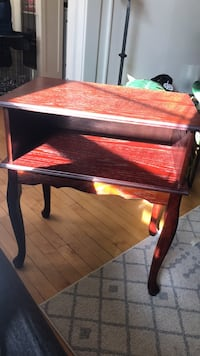 Beautiful, small wooden TV Stand Milwaukee, 53202