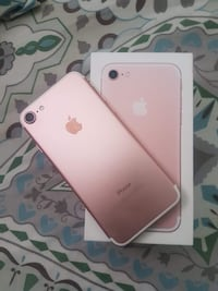 rose gold iPhone 7 with box Burnaby, V5H 1P1