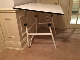 Folding drafting table (white)