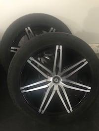 Chrome 5-spoke car wheel with tire Calgary, T3H