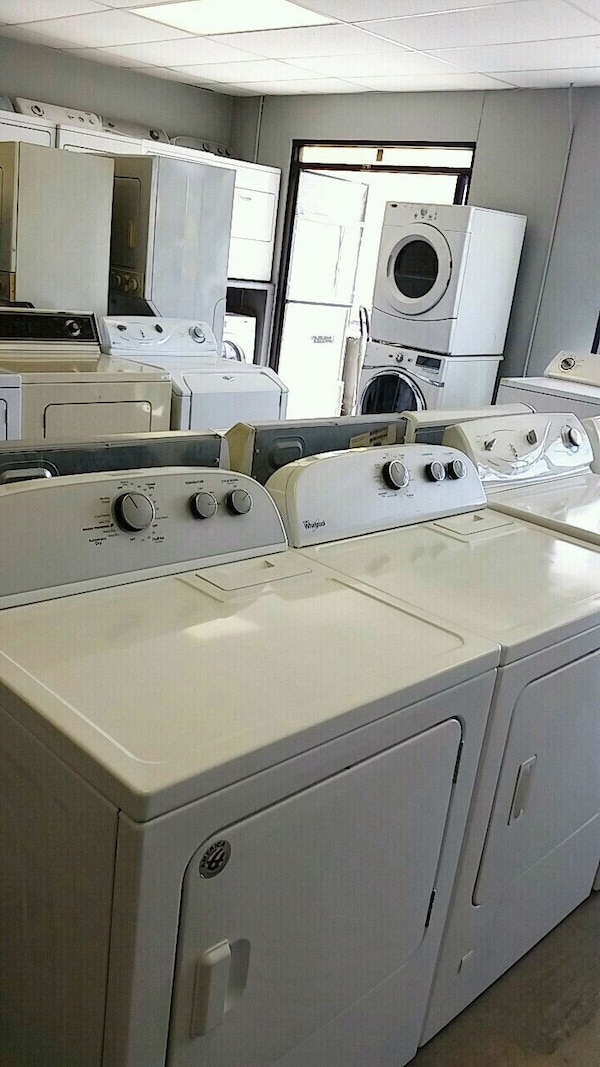 Washer / dryer / stackable