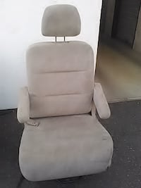 2001 honda odyssey middle row seats Yakima