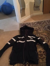 black and white zip-up hoodie Oxon Hill, 20745