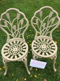 two white wooden windsor chairs Yonkers, 10701