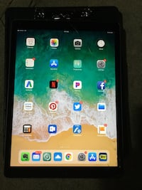 """MUST SELL Space Gray NEW iPad Pro 12.9"""" 256gb Unlocked Cellular - Repairable Cracked Glass Pineville, 28134"""