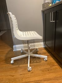 White IKEA Office Chair Park Ridge, 60068