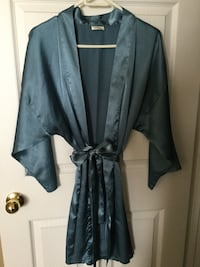 Medium Teal La Senza Satin 3/4 length robe