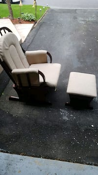 white and black plastic chair Montreal, H9K 1J7