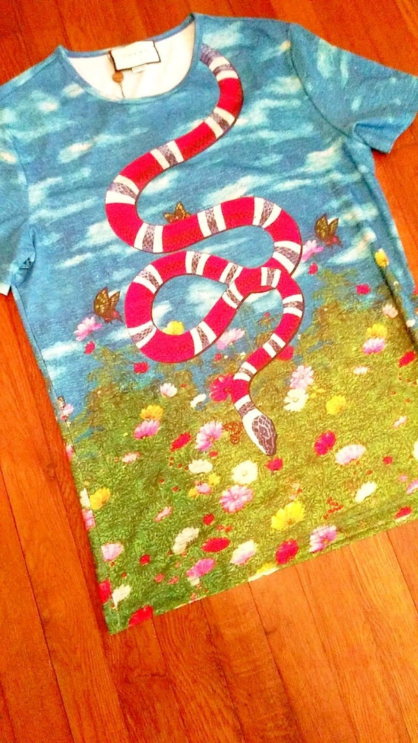 13e923ab3 Used Gucci Snake in the Garden T-shirt for sale in Orlando - letgo