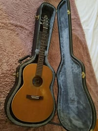 Parlour guitar with hard case New Westminster, V3L 1G7