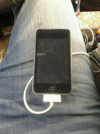 black iPod Touch 8gb