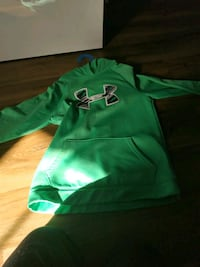 Under Armour hoodie youth size LG Oshawa, L1K 3A1