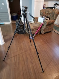 Blacks BX-75 Tripod, Excellent Quality  Bolton, L7E 1X4