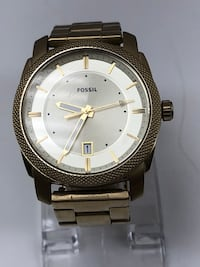 round silver-colored analog watch with link bracelet Longueuil, J4K 3T6