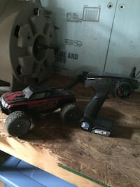 black and red RC car Hesston, 16647