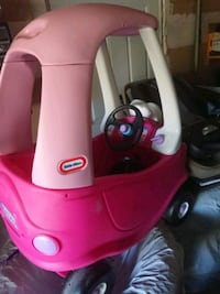 red and white Little Tikes cozy coupe Brampton, L7A 1H2