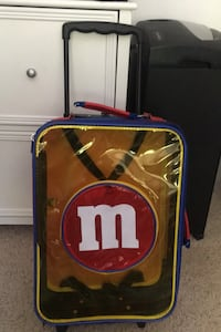 Kids rolling suitcase