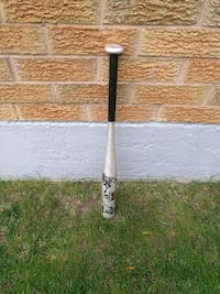 gray and black tee ball bat  Vaughan, L6A 1T4