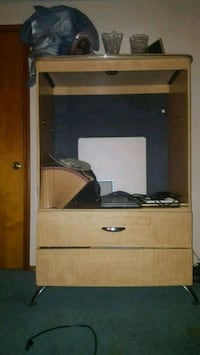 brown wooden cabinet tv stand Youngstown, 44514