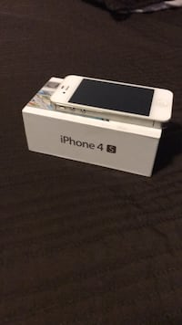 white iPhone 4s with box Falls Church, 22041