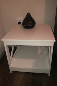White night stand/side table Silver Spring, 20902
