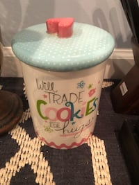 Cute cookie jar with heart lid Oakton, 22124
