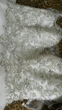 Pronovias swarovski Wedding Dress STILL NEW SIZE12 Markham, L6G 0C7
