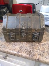 Antique wooded treasure box..