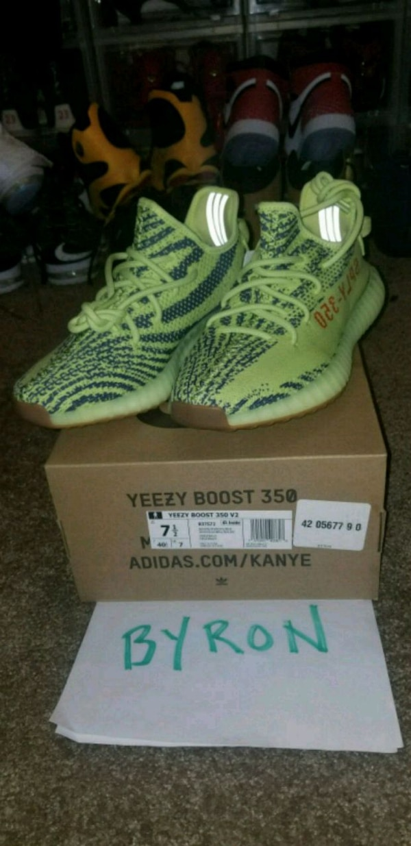 7d8eaa9ee8a11 Used Yeezy boost 350 v2 for sale in Dallas - letgo