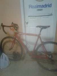 Cannondale #54 frame aluminio  and red road bike Brooklyn, 11208