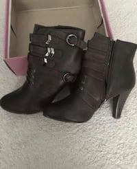 New dark brown ankle boots size 9.  Boots have never been worn Woodbridge, 22191