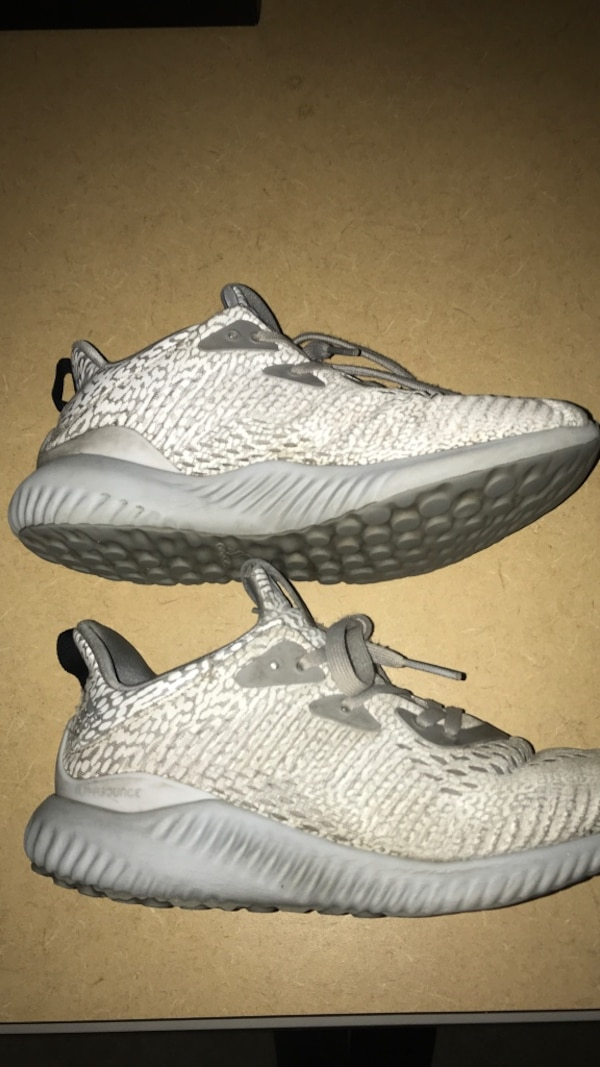 14947d99695e52 Used Adidas alphabounces - size 5 for sale in Calgary - letgo