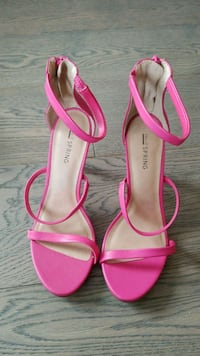 Call it Spring shoes size 8 Burnaby, V5H 0E8