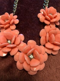 Light pink flower necklace Aliso Viejo, 92656