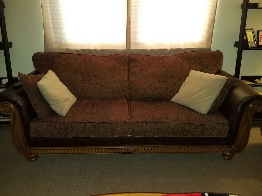 Letgo Matching Sofa Loveseat In Bealwood Ga