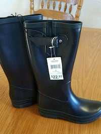 Ladies size 6 Rubber Boots Warman, S0K 0A1