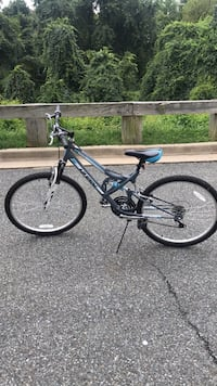 black and blue hardtail mountain bike Gaithersburg, 20878
