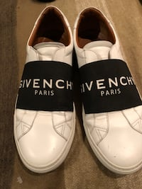 Givenchy Paris men's sneakers sz 42 (9.5 US) Burnaby, V5G 3X4