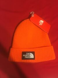North face hat never wore before