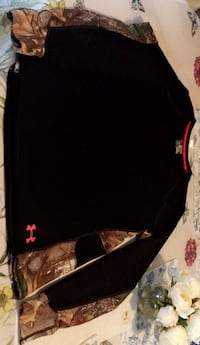 Under armour long sleeve brand new! Size Xxl fits tight  Ottawa