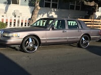 $2500 OBO LINCOLN TOWN CAR La Mesa, 91942
