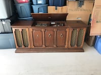 Zenith stereo record player, needs needle  Winter Springs, 32708