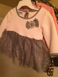 girl's white and gray bow accent scoop-neck dress