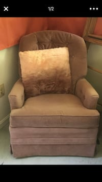 Pink chair and pillow Arlington, 22213
