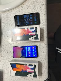 2 samsung galaxy v10 phones Houston, 77040