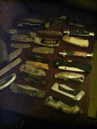 Pocket knives 5 to $10 a piece all for 75 Phenix City, 36869