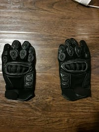 Motorcycle Gloves  Surrey, V3R 0W4